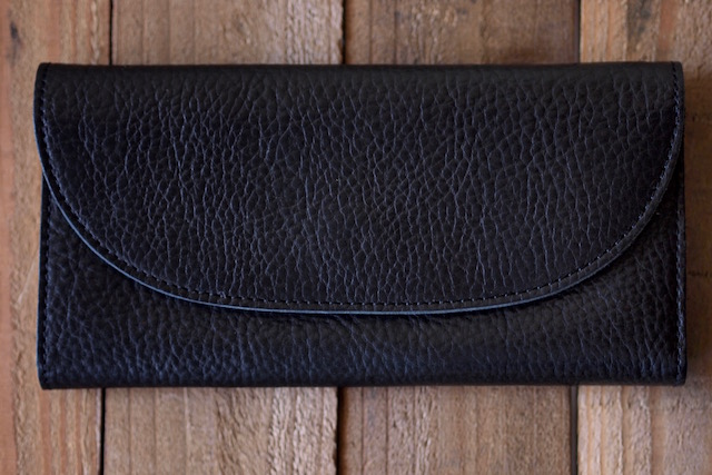 This is...(ディスイズ) Shrink Leather Long Wallet-2
