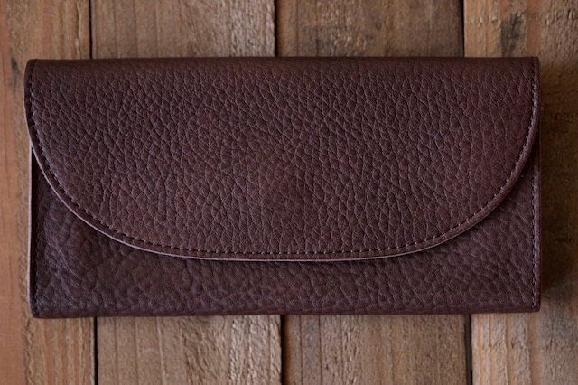 This is...(ディスイズ) Shrink Leather Long Wallet-3